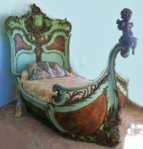 This antique ship bed has appeared in numerous movies (etruscanmajokic.blogspot.com)