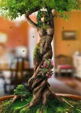 'Twisted Beauty' indoor planter (pinterest.com)